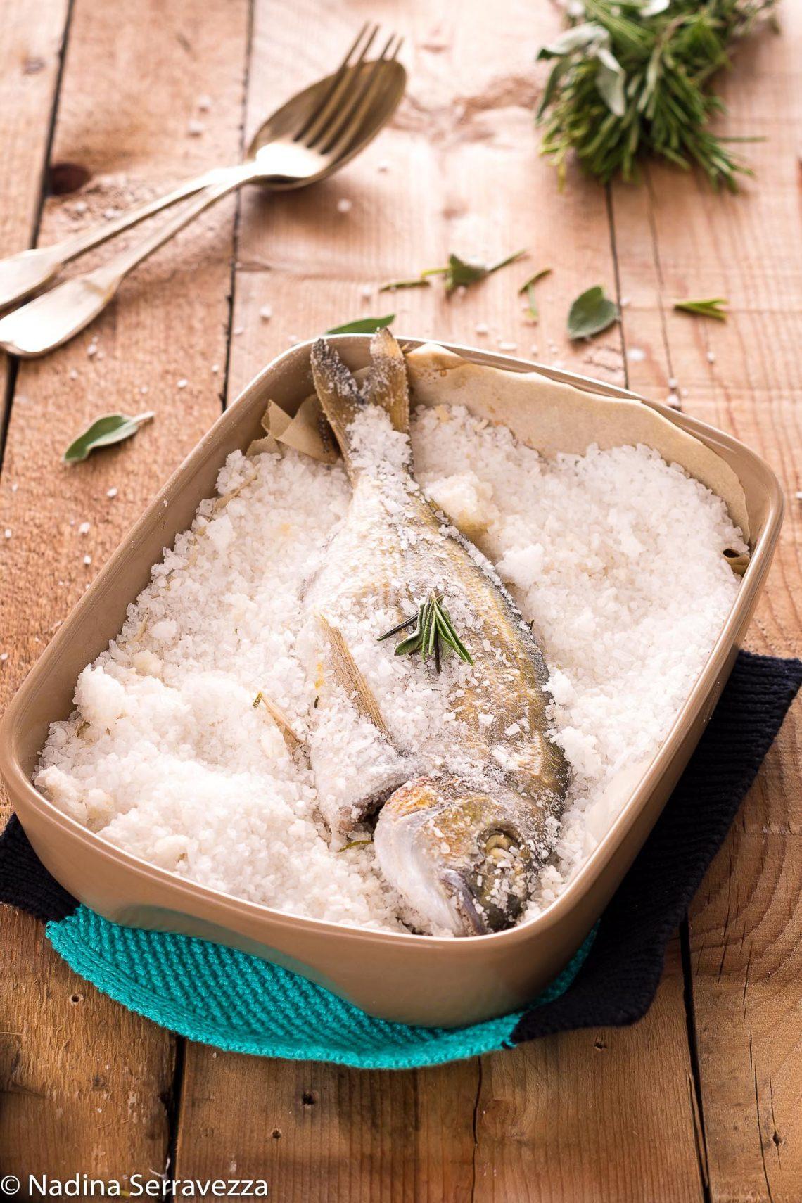 Orata In Crosta Di Sale Ricetta Pesce Leggera E Gustosa
