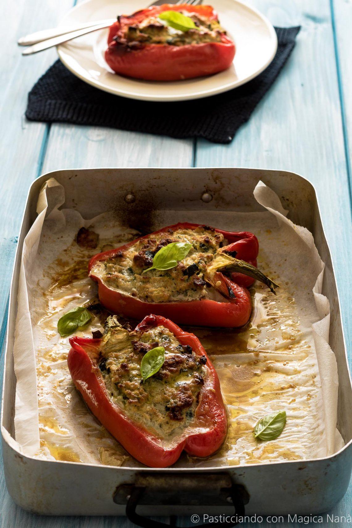 Peperoni ripieni con carne e zucchine