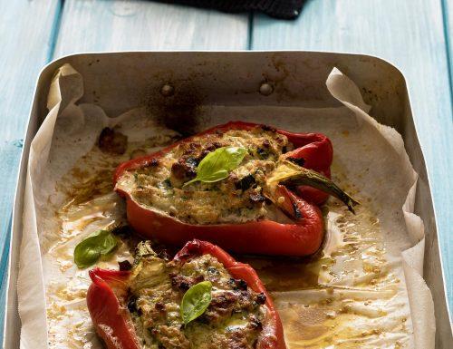 Peperoni ripieni al forno con carne e zucchine