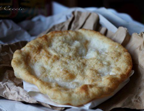 """Il Ceccio fritto o """"Cecc' du bambine, ricetta lucana per il Calendario del cibo italiano"""