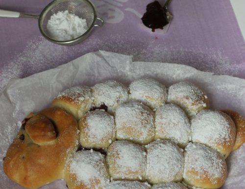 Danubio dolce con marmellata di ciliegie a forma di pecorella, ricetta tradizionale e ricetta Bimby