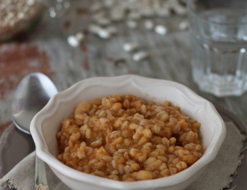 Zuppa rossa di farro e fagioli