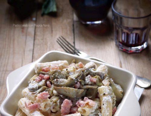Pasta con carciofi, ricotta e pancetta