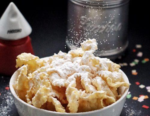 Chiacchiere dolci di tradizione , ricetta Iginio Massari
