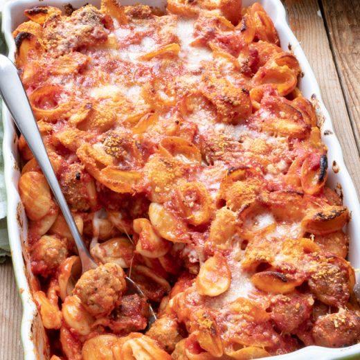 Orecchiette con polpettine di carne al forno