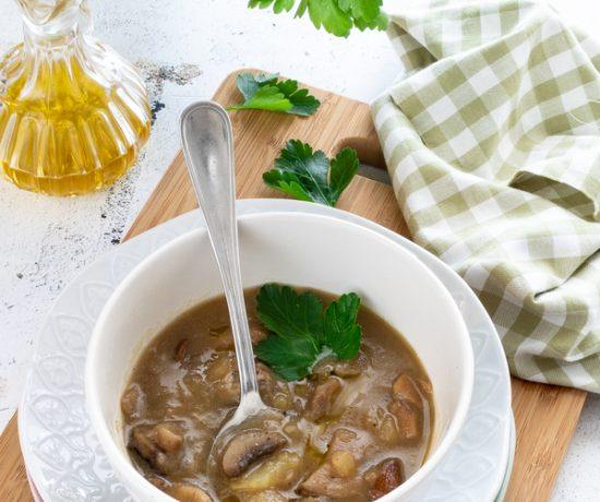 Zuppa di funghi misti e patate
